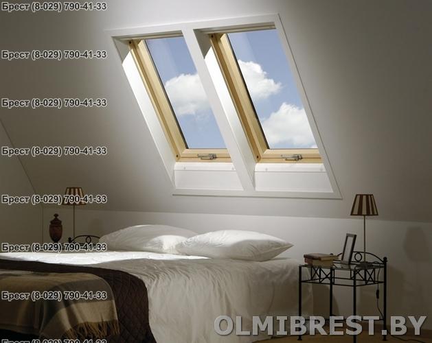 Фото два мансардных окна в спальне Fakro FTS-V в Бресте