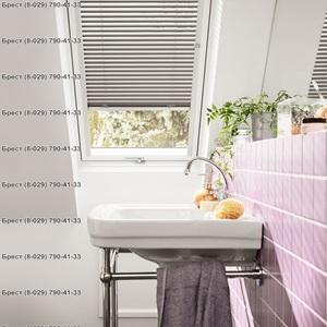 Фото мансардного окна в ванной ПВХ Velux GLP 0073 BIS в Бресте